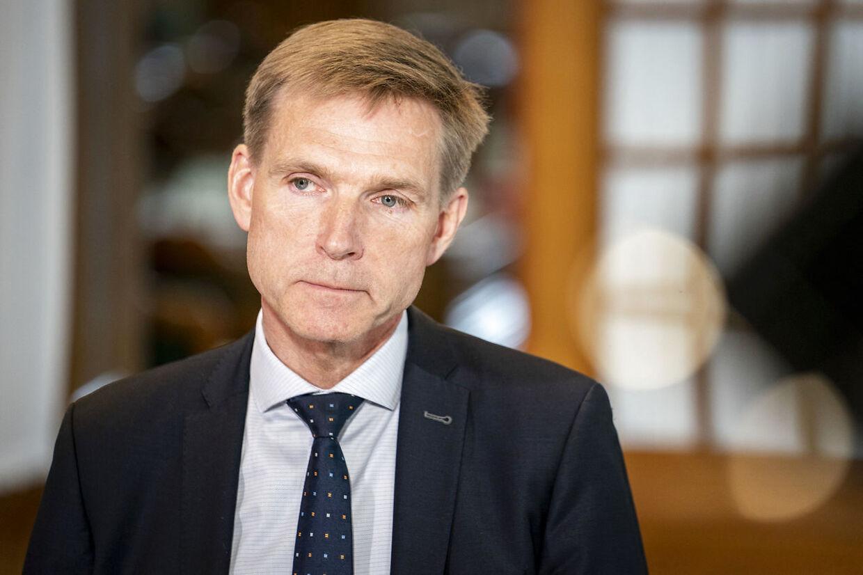 Dansk Folkepartis formand, Kristian Thulesen Dahl, hænger fast i svage vælgermålinger.