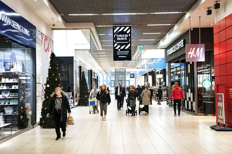Danskerne står til at modtage feriepenge eller en skattefri check i oktober 2020. Arkivfoto. Ritzau Scanpix.
