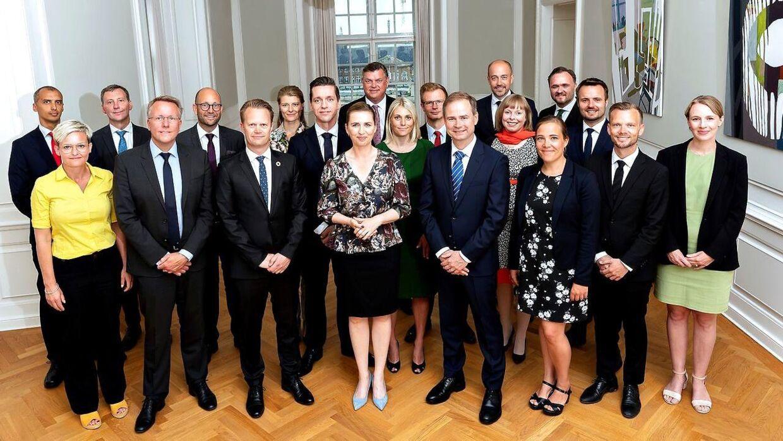 Mette Frederiksens regering. 16 ud af 20 har en fortid i DSU.