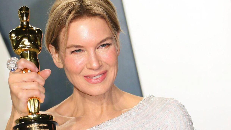 Renee Zellweger vandt i år en Oscar-statuette for 'Bedste Skuespillerinde'. Nu bliver næste års show udskudt.