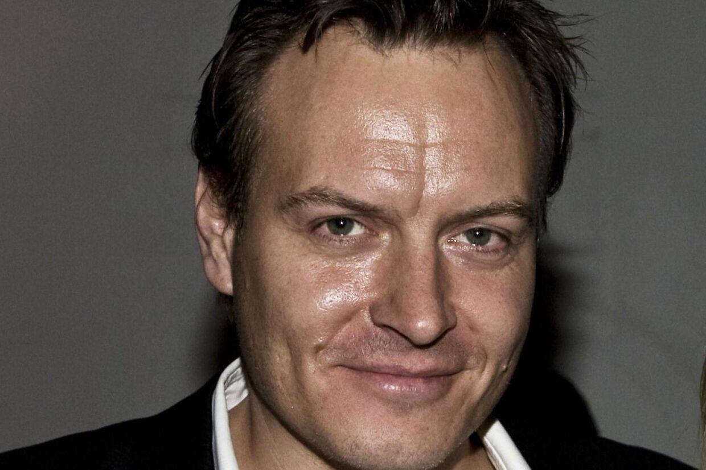 Den tidligere forsvarsminister Søren Gades spindoktor Jacob Winther lækkede ifølge Ekstra Bladet fortrolige oplysninger til Rasmus Tantholdt.