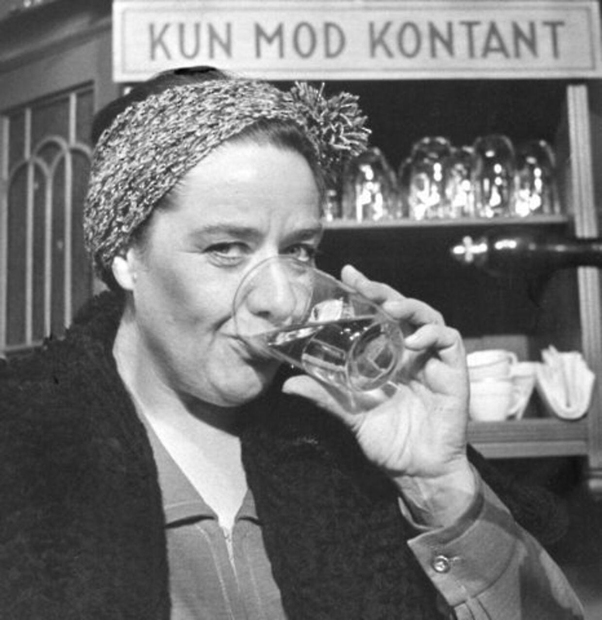 Bodil Udsen som de fleste husker hende - som værtshusholderen Emma i Huset på Christianshavn.