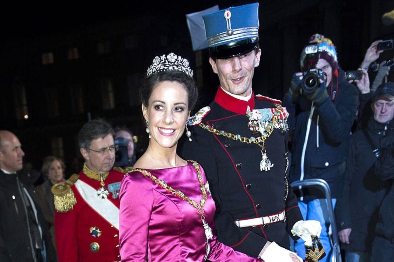 Både kronprinsesse Mary og prinsesse Marie får kritik for deres kjolevalg ved årets nytårskur af den amerikanske avis Huffington Post