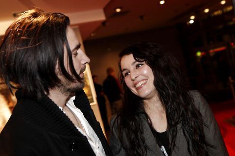 Ola og Noomi Rapace i godt humør til premieren på 'Mænd, der hader kvinder'. Nu er smilene formentlig stivnede for en stund.