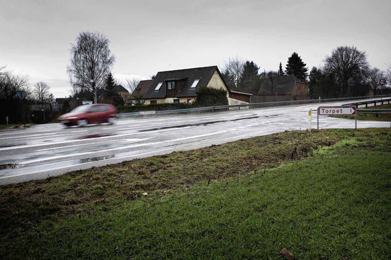 Ved krydset mellem Sorøvej og Torpetvej, blev både manden og hunden ramt af bil.