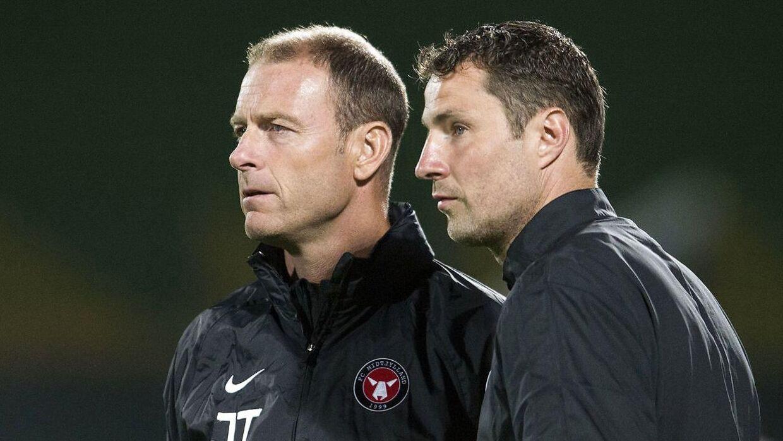 FC Midtjyllands cheftræner, Jess Thorup (tv.), føler ingen trang til at stå i forreste linje for at svare nogen igen