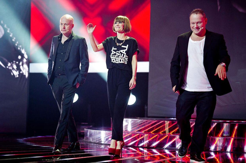 X Factor-dommerne, Thomas Blachman, Pernille Rosendahl og Cutfarther, kan vinke farvel til indflydelsen ved fredagens semifinale.