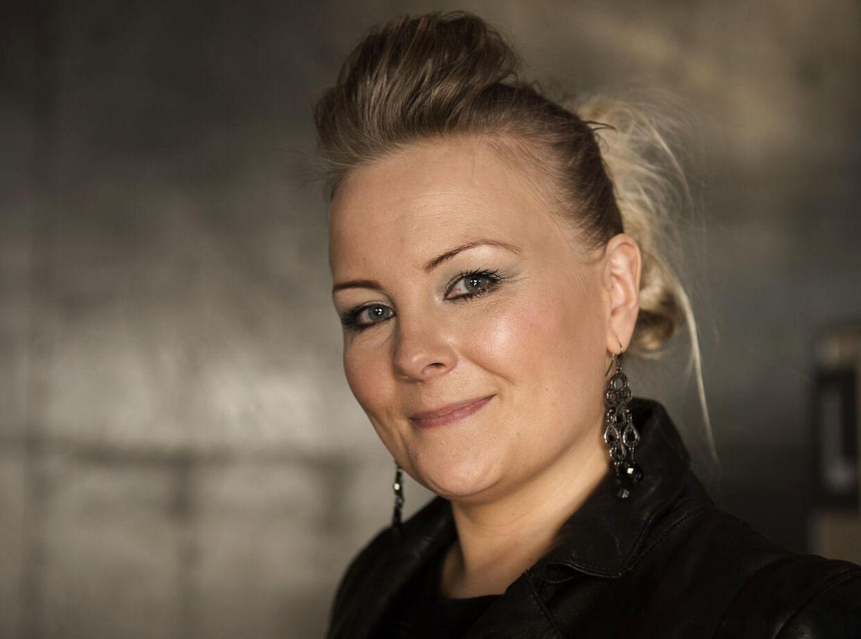 Pernille Georgi har skrevet sangen 'Jeg Har Hele Tiden Vidst Det' sammen med brødrene Thomas og Jeppe Reil.