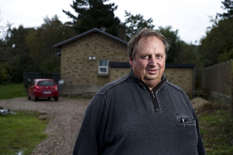 Gert Fruelund Jensen fra Horsens blev chokeret, da han den 31. juli modstog et brev fra Skats advokat. Han skkyldte knap 2500 kroner for tre ubetalte renovationsregninger, og derfor skulle hans hus sælges på tvangsauktion, lød det.