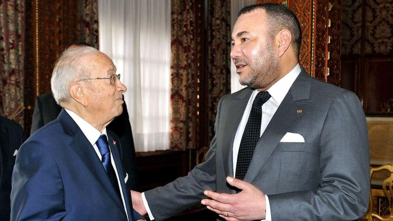 Mohammed VI (th.) mødte den daværende tunesiske præsident, Beji Caïd Essebsi (tv.), i 2011.