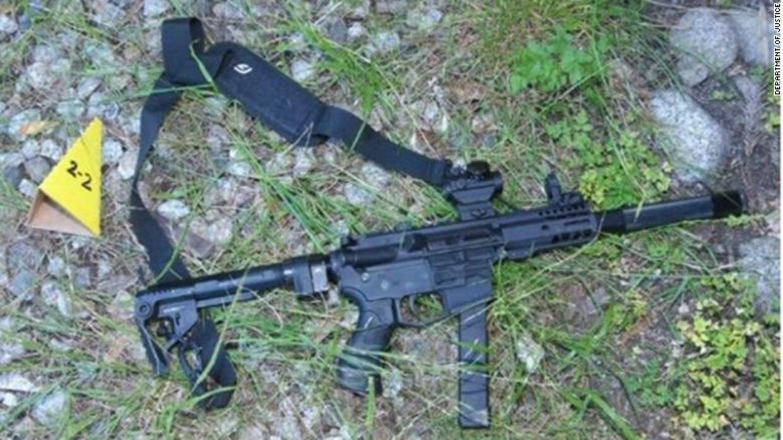 Den såkaldte 'ghost gun', som Steven Carillo havde på sig, da han blev anholdt 6. juni.