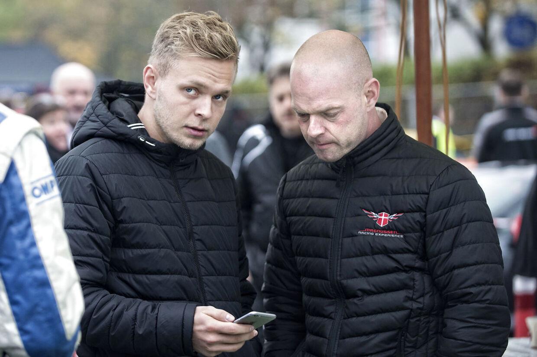 Kevin (tv.) og Jan Magnussen har været til utallige løb sammen, men det langtfra altid været nemt.