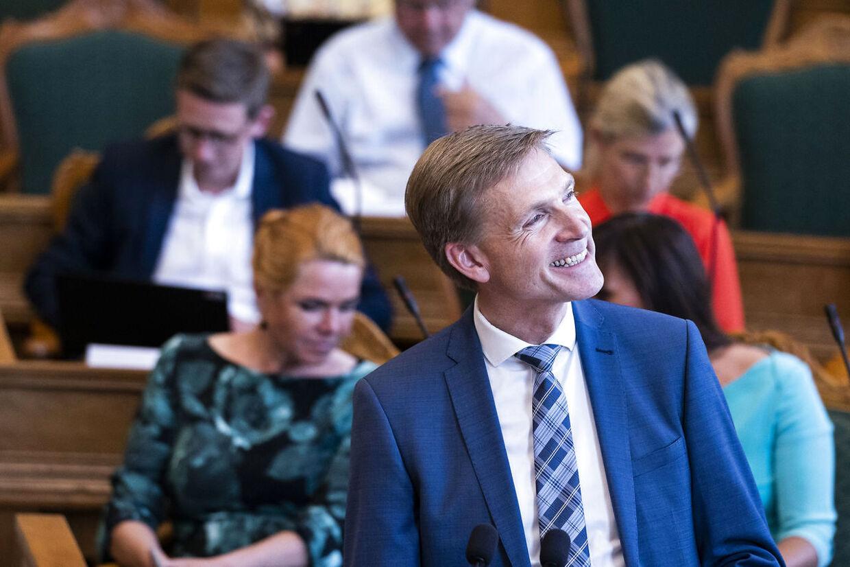Kristian Thulesen Dahl (DF). Møde i folketingssalen og spørgetime med statsminister Mette Frederiksen tirsdag den 16. juni 2020. (Foto: Martin Sylvest/Ritzau Scanpix 2020)
