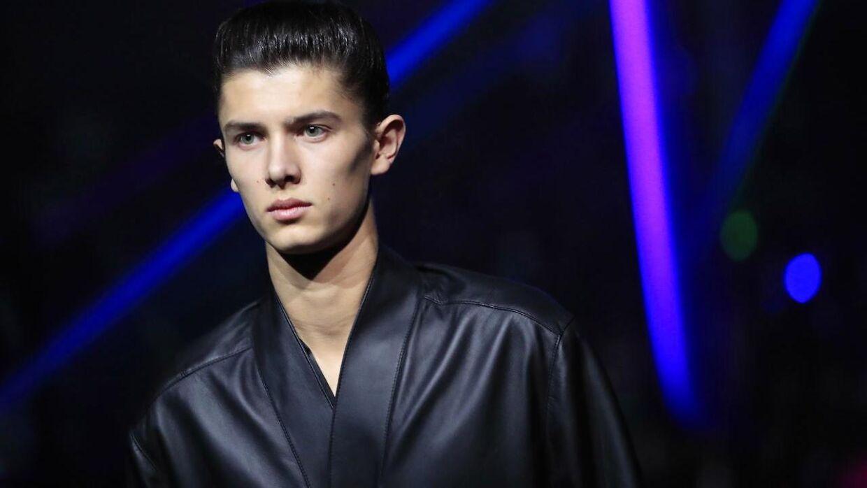 Prins Nikolai er i dag 20 år og læser til daglig på Copenhagen Business School. Og nå ja, så er han model.