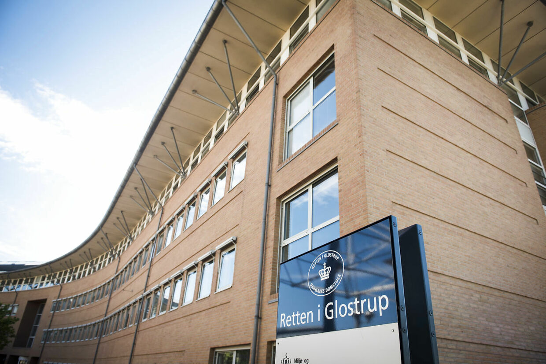 31. oktober 2019 faldt der dom mod YJ for 66 brud på straffeloven ved Retten i Glostrup. Grundet ventetid på over tre år, slap han med at skulle afsone halvdelen af sin straf på et års fængsel. (Foto: Anne Bæk/Ritzau Scanpix)