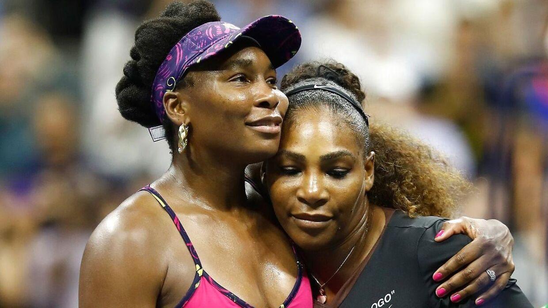 Venus Williams og Serena Williams' far er blevet sagsøgt.