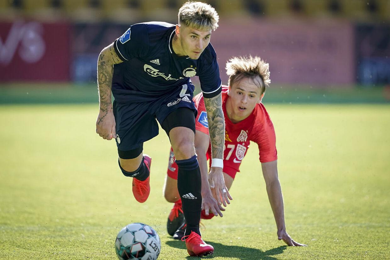 Guillermo Varela har spillet 42 kampe for FC Københavns førstehold. Her er han i aktion mod Mikkel Damsgaard og FC Nordsjælland.
