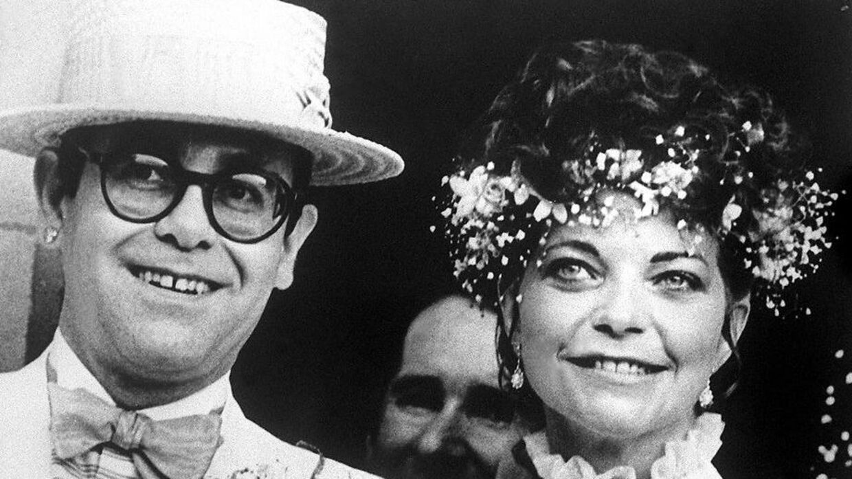 Elton John og Renate Blauel ved deres bryllup i 1984.