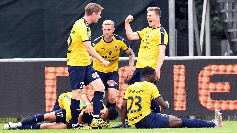 Hobro sendte med en 2-1 sejr Esbjerg ned i 1. division.