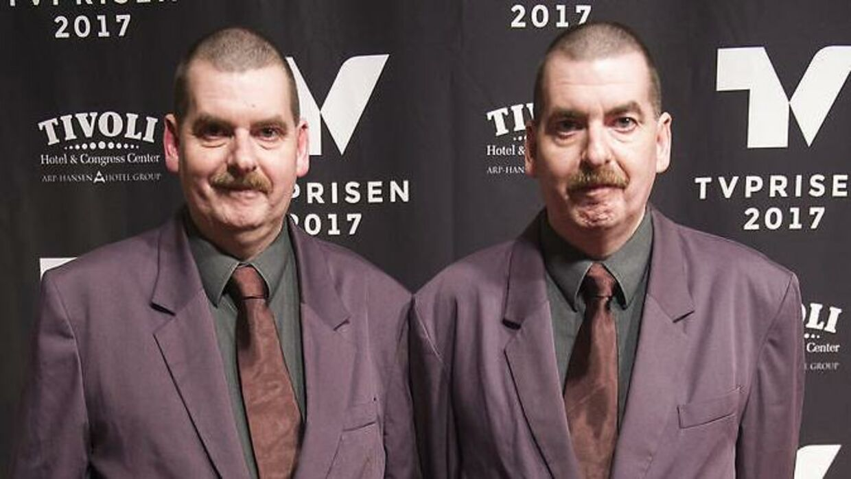 Tvillingerne Anders og Torben Petersen på den røde løber til TV-prisen i 2017.