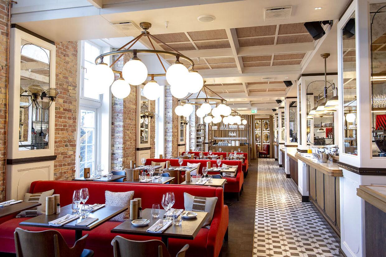 Brasseriet Kontrast i Villa Copenhagen er både åben for hotellets gæster og folk udefra. Petter Stordalen forudser, at København vil blive en endnu større turistmagnet end før, når coronarestriktionerne kan fjernes helt.