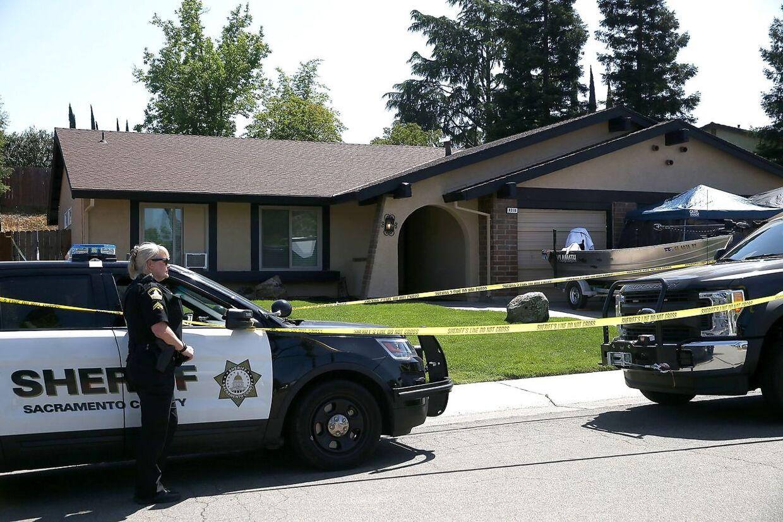 Joseph James DeAngelo Jr.'s hjem i Citrus Heights i Californien kort efter, at politiet anholdte ham.