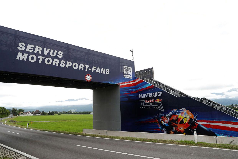 Der bliver ingen fans til at benyttet overgangsbroen her på Red Bull Ring-i de kommende to weekender.
