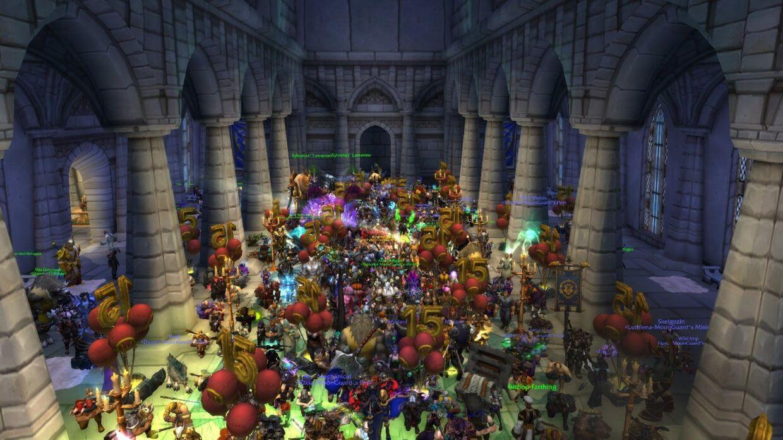 Sådan så det ud flere steder torsdag aften, hvor spillere samledes i kirker i World of Warcraft og knælede for den afdøde streamer.