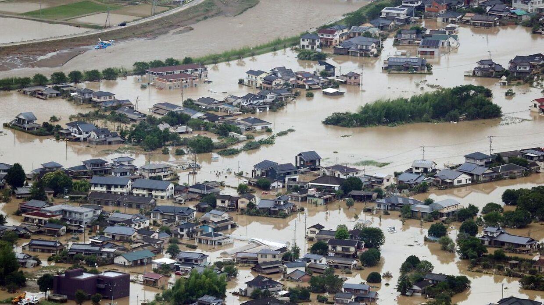 Enorme mængder regn har ramt Japan.