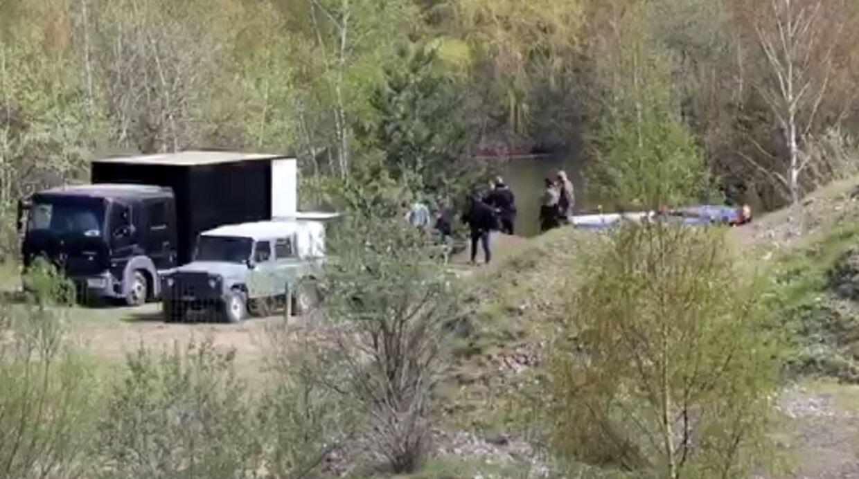Politiet ved Blæsinge Grusgrav, hvor liget af Kiehn Georg Andersen blev fundet 29. april.