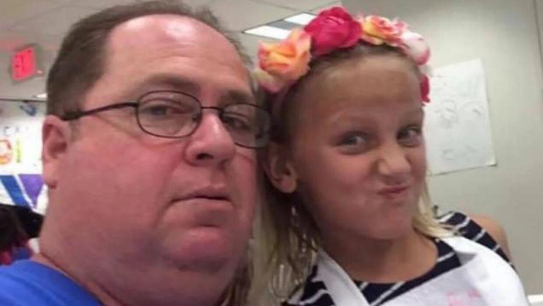 Guy Alexander Hansman og hans 11-årige datter, Harper, blev mandag dræbt i deres hjem.