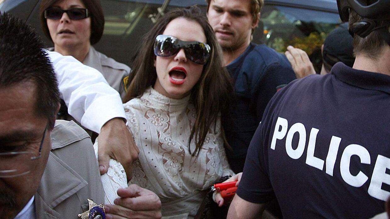 I 2007 forsøgte Britney Spears at overfalde en bil med en paraply.