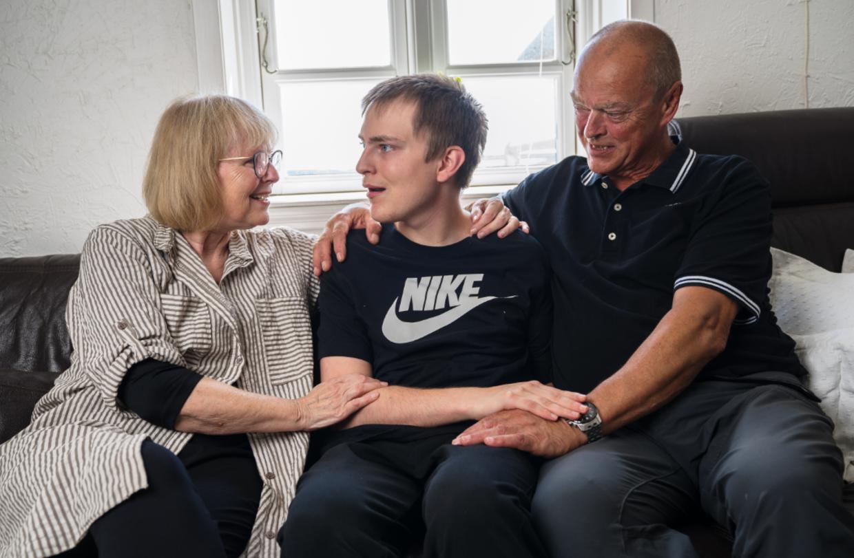 Marianne og Ralph Bollhorn er 67 og 62 år og vil gerne beholde deres søn i hjemmet så længe som overhovedet muligt. Men de har brug for hjælp for at kunne overkomme opgaven.