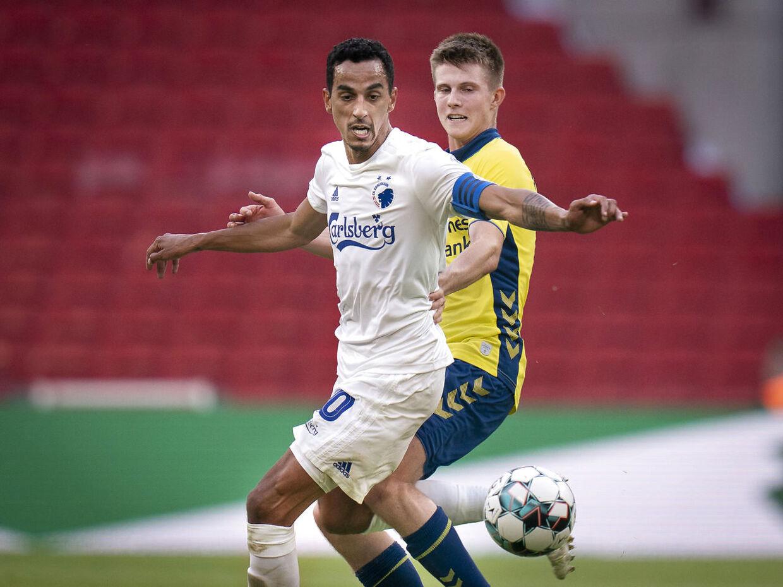 FCKs Carlos Zeca og Brøndbys Morten Frendrup under superligakamp mellem FCK- Brøndby IF i Telia Parken søndag den 12 juli 2020. (Foto: Liselotte Sabroe/Ritzau Scanpix)