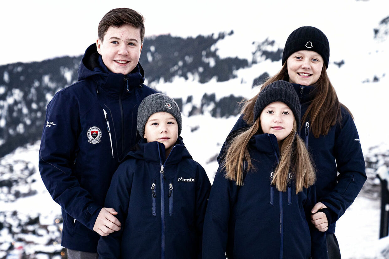 Prins Christian er storebror til prinsesse Isabella, prins Vincent og prinsesse Josephine. Her er de fotograferet i Verbier i Schweiz i januar 2020.