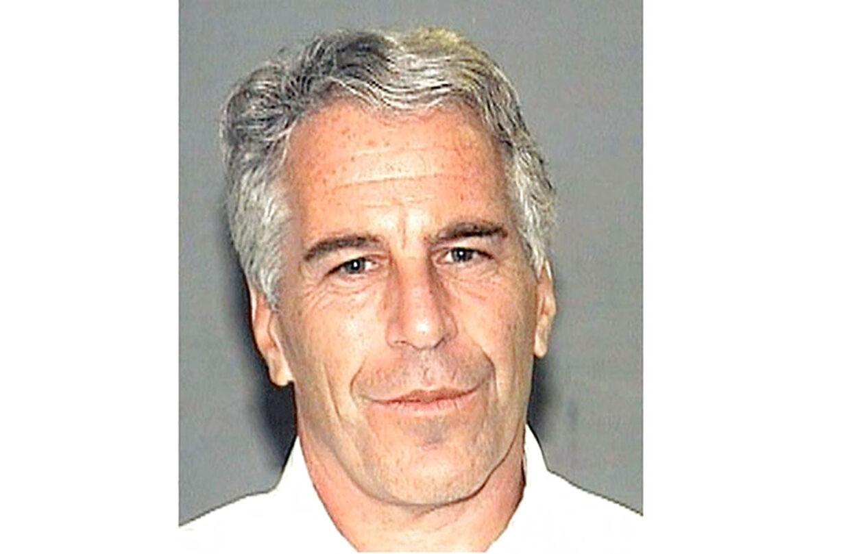 Jeffrey Epstein begik selvmord, før sagen om seksuelt misbrug af unge piger kom for retten.
