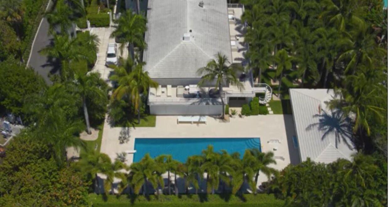 Jeffrey Epsteins palæ i Palm Beach, Florida, hvor et utal af unge piger blev misbrugt. Den yngste var kun 14.