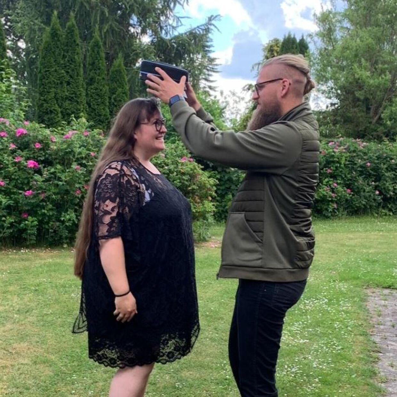 Annalea får sin hue på af kæresten, Stefan Wolf.