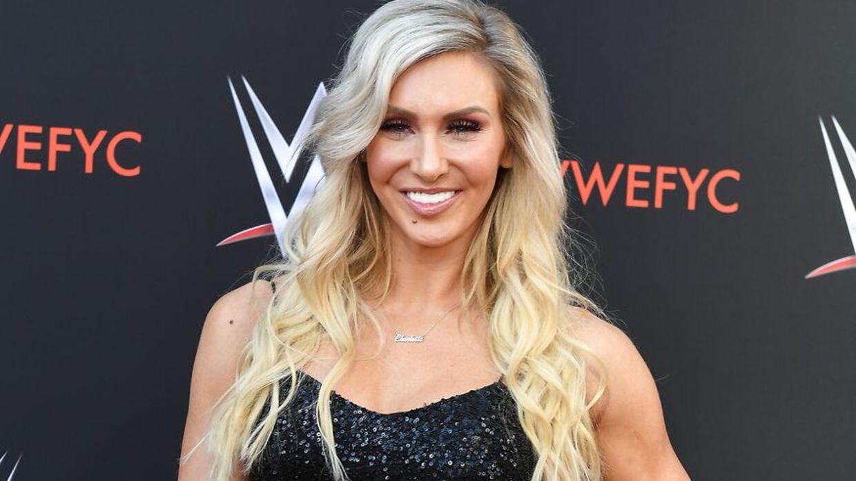 Charlotte Flair skal have ændret på sit brystparti.