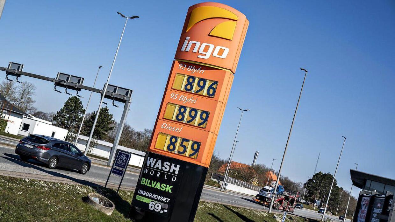 Ingo har lagt sig fladt ned og vil erstatte regninger til bilister, der har fået motorproblemer efter at have tanket hos dem.