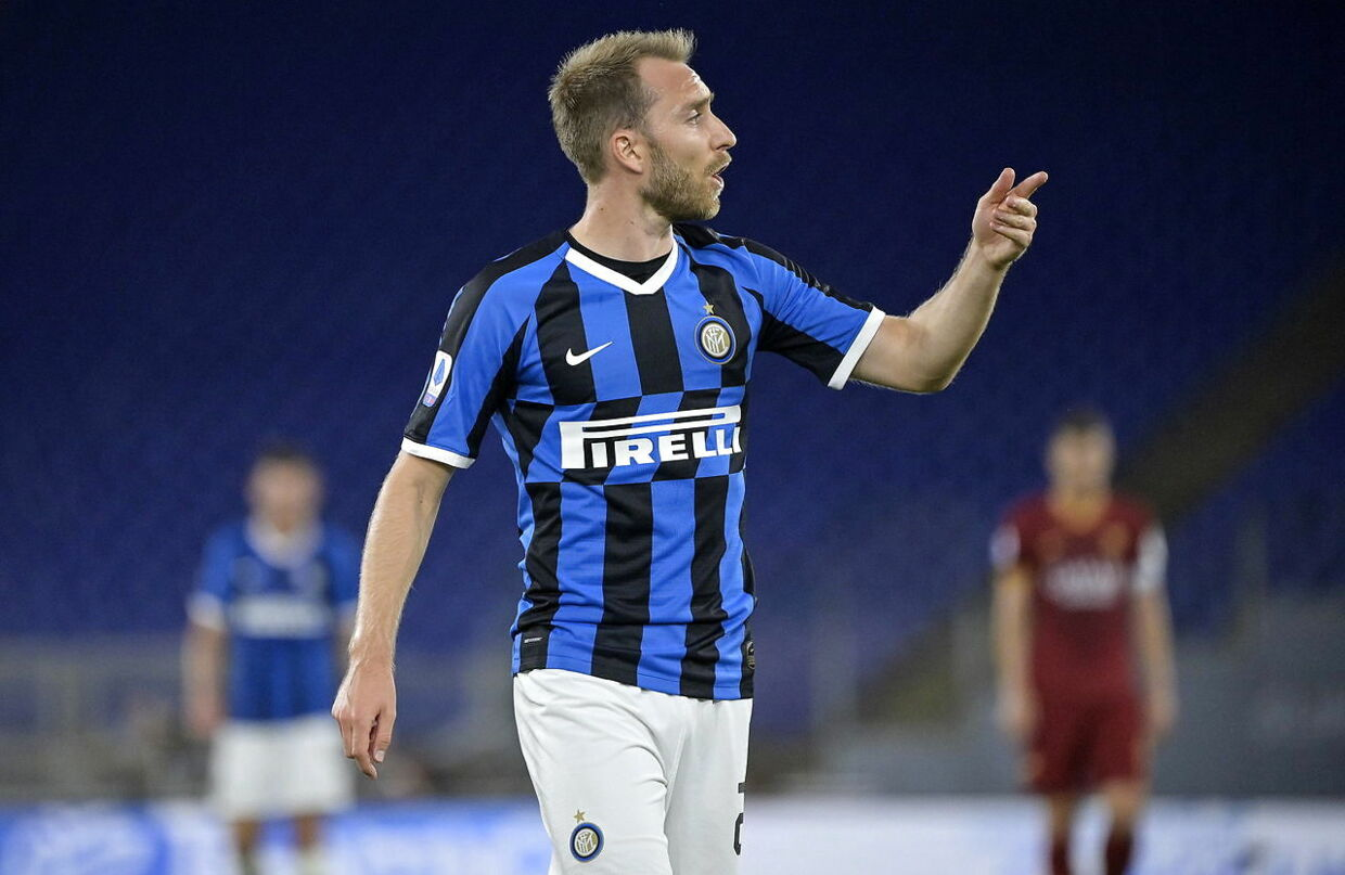 epa08555756 Inter's Christian Eriksen reacts during the Italian Serie A soccer match between AS Roma and FC Inter at the Olimpico stadium in Rome, Italy, 19 July 2020. EPA/RICCARDO ANTIMIANI
