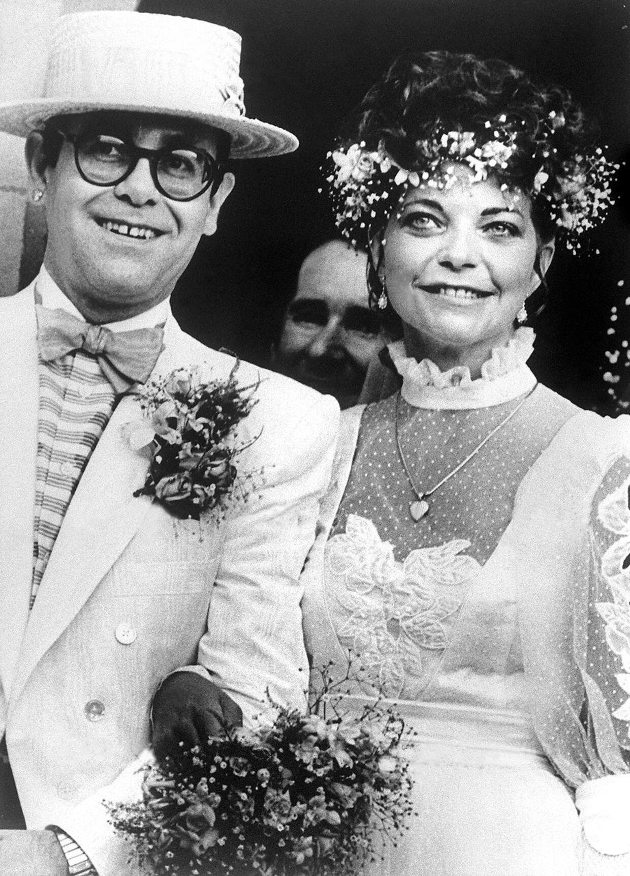 Elton John og Renate Blauel da de blev gift.