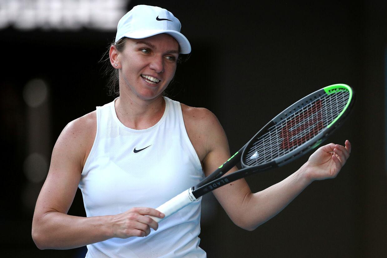 Simona Halep, der er regerende Wimbledon-mester, indtager andenpladsen på verdensranglisten. Nu er den første turnering på WTA Touren i fem måneder kommet i fare for rumæneren. (Arkivfoto). Hannah Mckay/Reuters