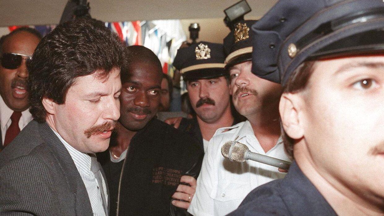 Ben Johnson skabte overskrifter verden over, da han blev taget for doping under OL i 1988.