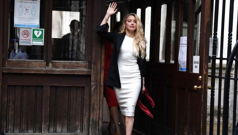 34-årige Amber Heard ved retten i London mandag.