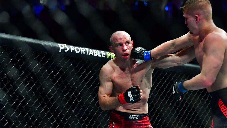 Mark O. Madsen i sin seneste officielle MMA-kamp. Her mod Austin Hubbard ved UFC 248, 7. marts.