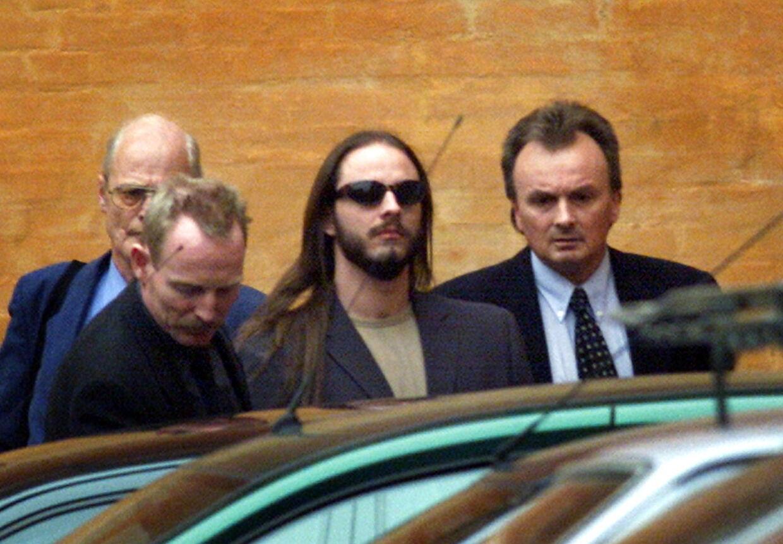 LUNDIN-SAGEN Den drabstiltalte Peter Lundin forlader Østre Landsret torsdag den 8. marts 2001.