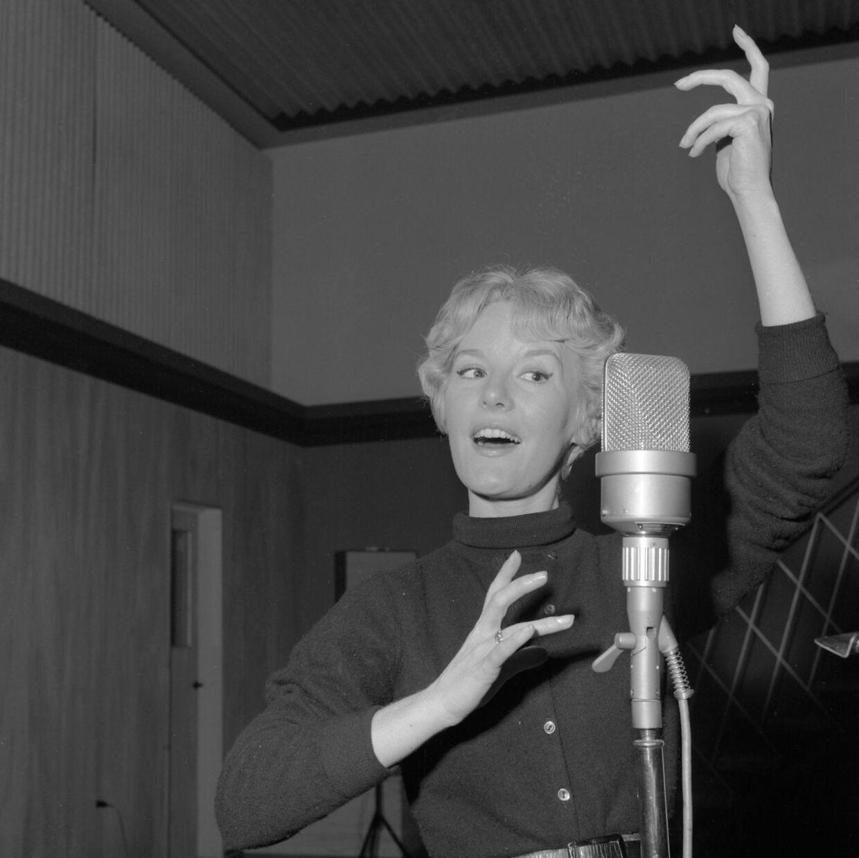 Den engelske sangerinde Petula Clark da hun var ung.