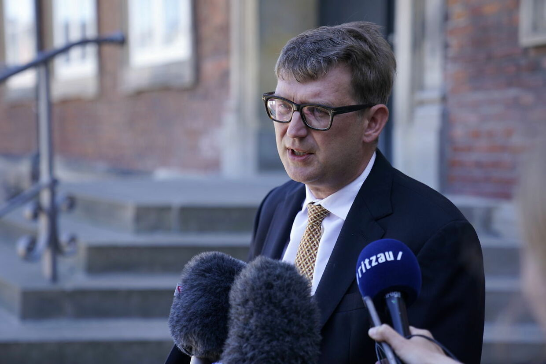 Partiledere ankommer til forhandlinger i Finansministeriet i København, søndag den 14. juni 2020. Der forhandles om bl.a. feriepenge og en sommerpakke, der skal stimulere økonomien under coronakrisen.