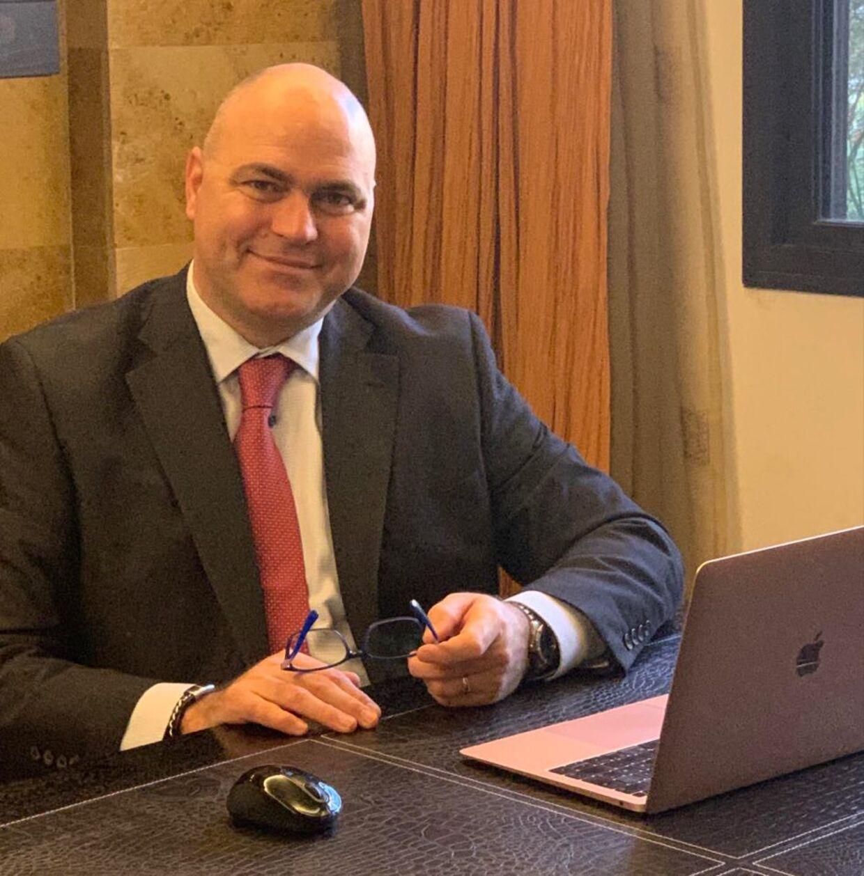 Dan Morgensen bor i Libanon, men vil gerne tilbage hjem så hurtigt som muligt. Han søger nu arbejde i Danmark.